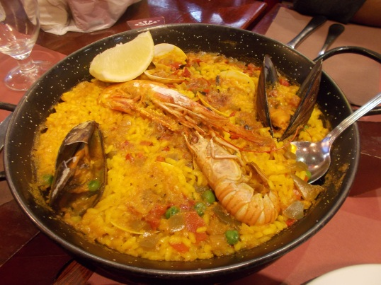The icing on the cake: Seafood paella in La Rambla